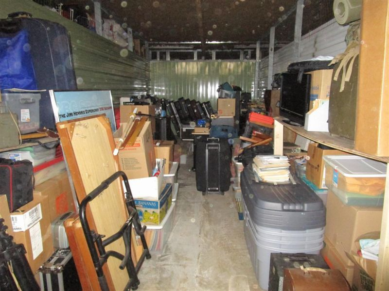 Great Unit Ending April 11th In Miami Fl Storage Auctions Self Storage Storage Facility