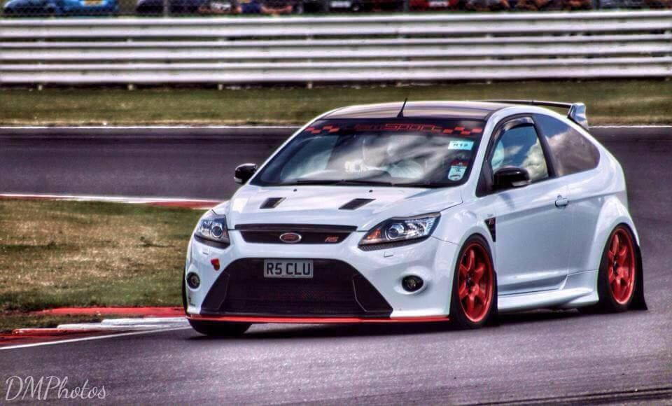 White Ford Focus St Rs With Red Elements Rims Ford Focus St Ford Focus Ford Motorsport