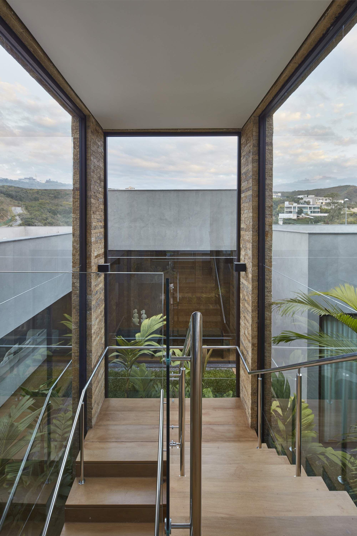 Дом с ярким современным интерьером в Бразилии | Лестницы | Pinterest