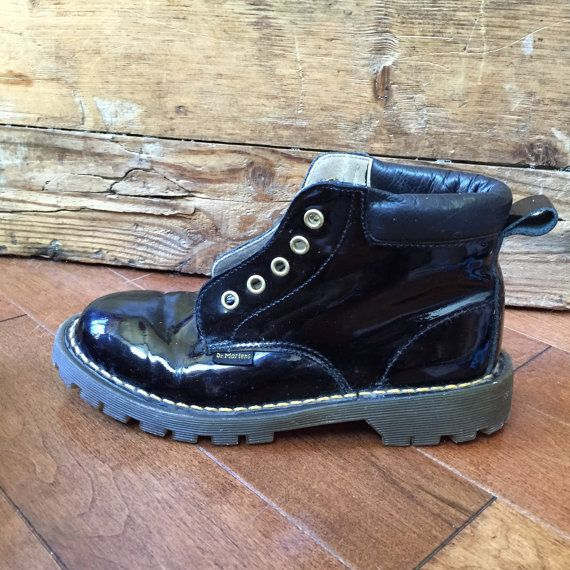 Vintage Dr Martens from England sz 2   shoes to buy   Pinterest 7302ca5fbb02