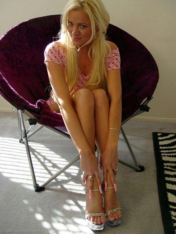 Hot mature in heels