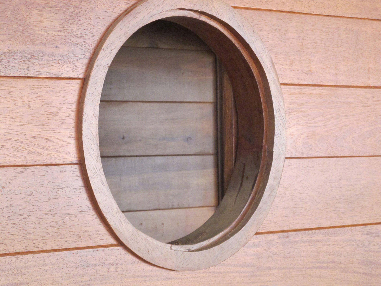 fen tre ronde en fabrication maison en bois maison bois. Black Bedroom Furniture Sets. Home Design Ideas