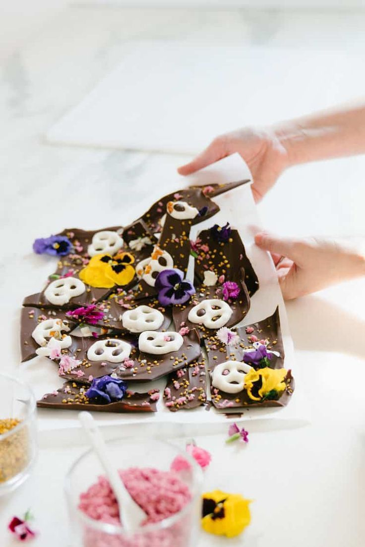 11 ways to use edible flowers in your kitchen in