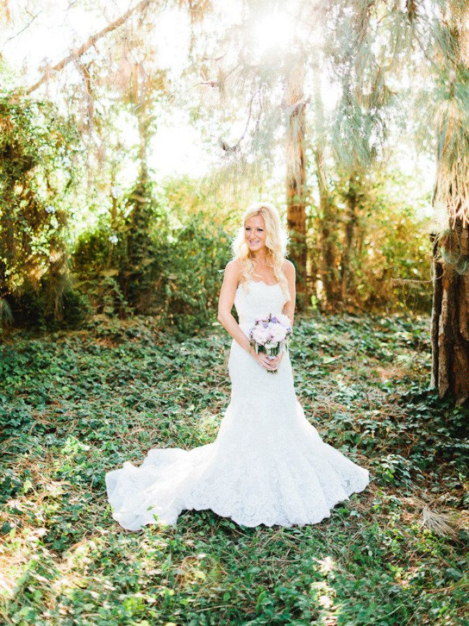 Bride wears Enzoani wedding dress | Fab Mood #summerwedding