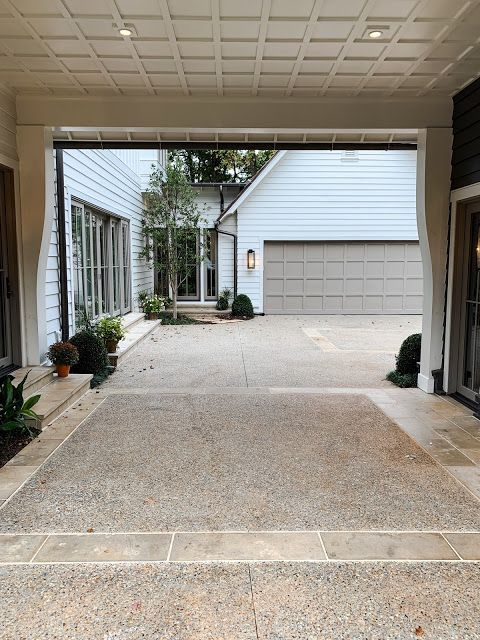 HOUSE BEAUTIFUL MODERN FARMHOUSE DETAILS