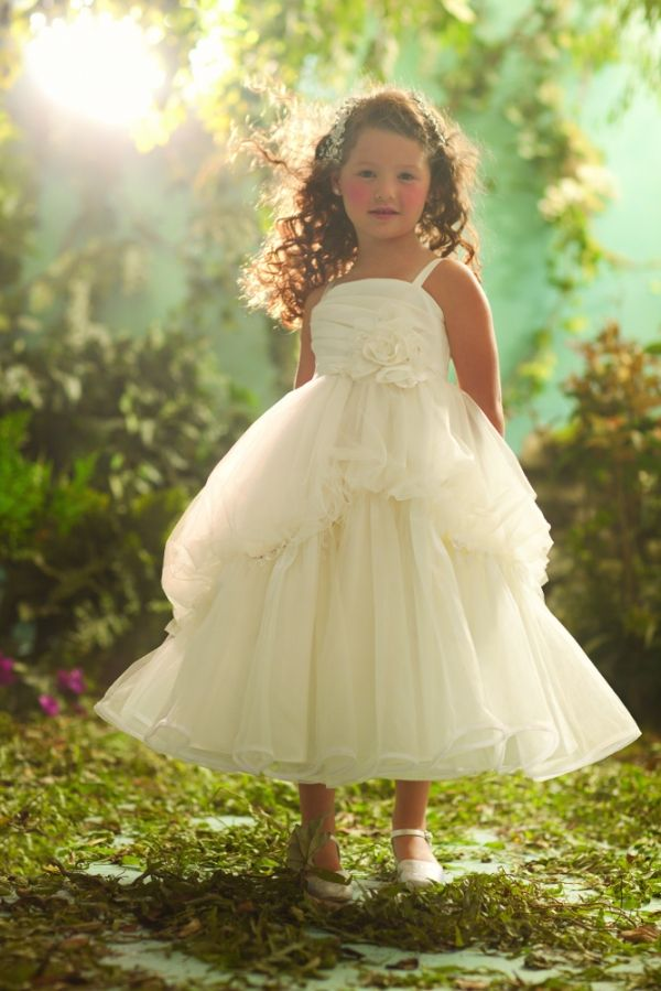 Snow white flower girl to go along with my snow white wedding dress snow white flower girl to go along with my snow white wedding dress mightylinksfo