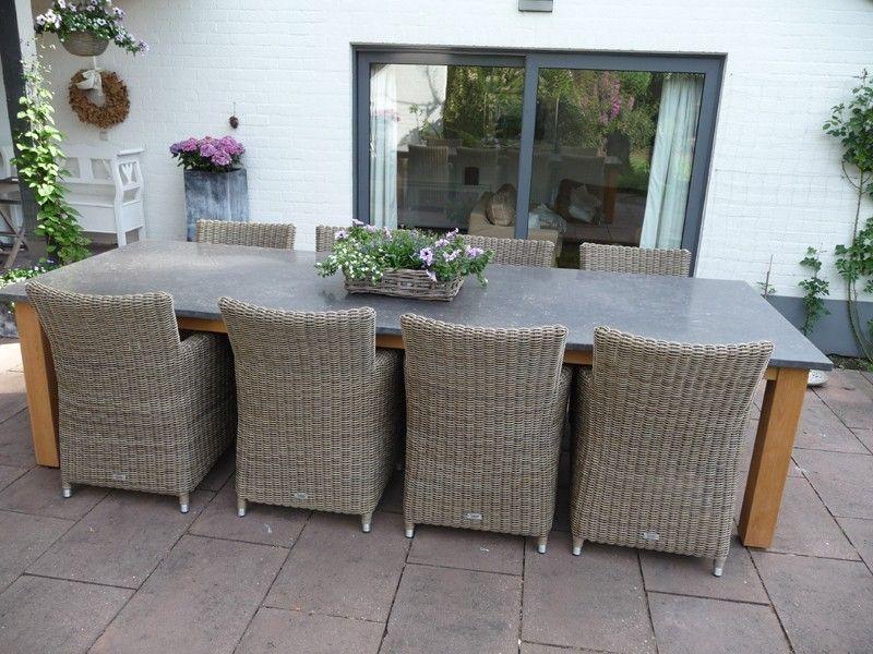Grosse Gartentisch In Belgischer Kalkstein Mit Holz Und 8 Stuhle
