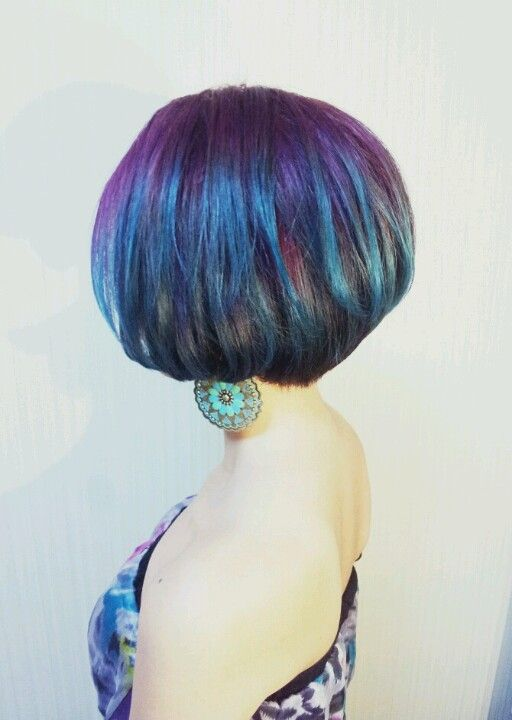 Peacock Hair Color Colorful Short Bob ombre グラデーション