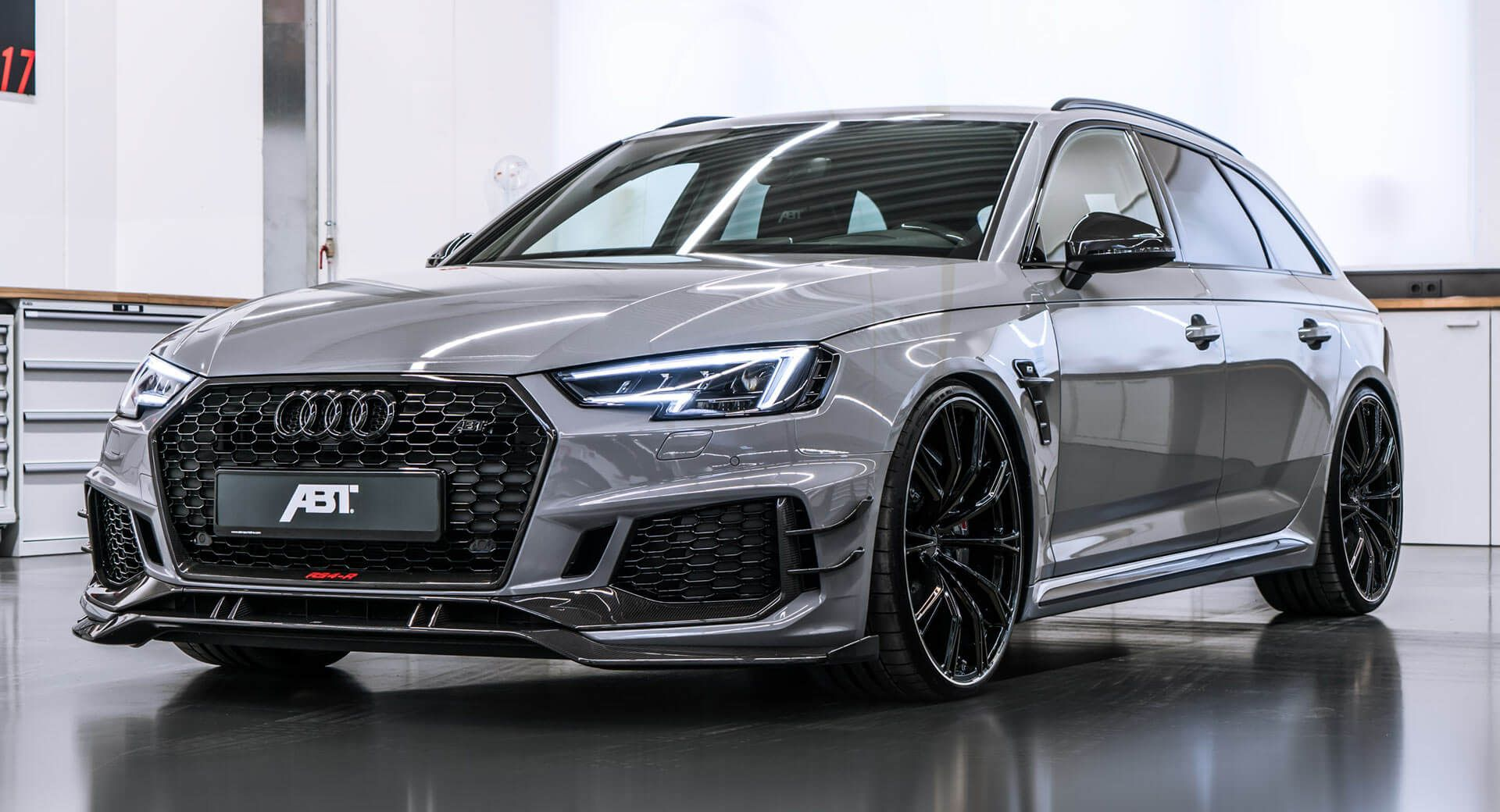 Abt S 530ps Audi Rs4 R Avant Is All The Super Estate You Ll Ever Need Carscoops Audi Rs Audi Wagon Audi
