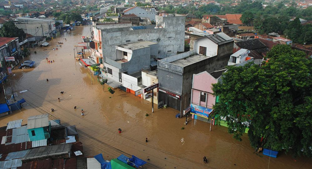 Over 100,000 People in Indonesia Evacuated Amid Heavy