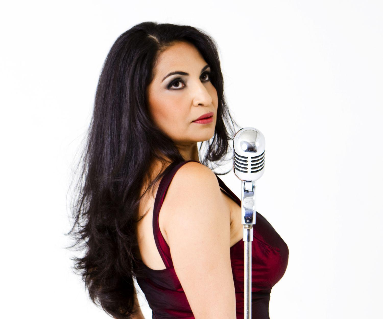 Eliana Printes, Brazilian singer, pandeiro player and composer ...