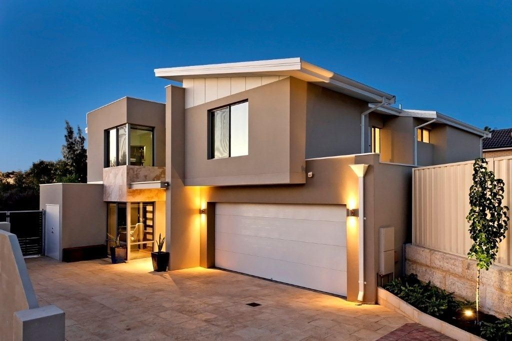 This Was The 2012 Award Winning Custom Home $350,000   $475,000 In Perth.  Battleaxe Block