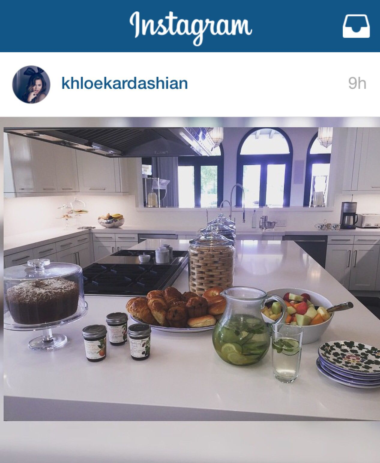 Home Decor Kitchen Ideas: Khloe Kardashian's Kitchen #minimalist #inspiration