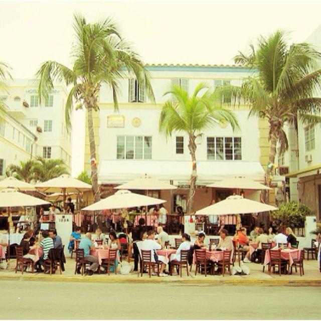 News Cafe South Beach 800 Ocean Drive Miami Beach Fl 33139 This Restaurant Is Fantastic The O South Beach Hotels Ocean Drive Miami Beach South Beach Miami