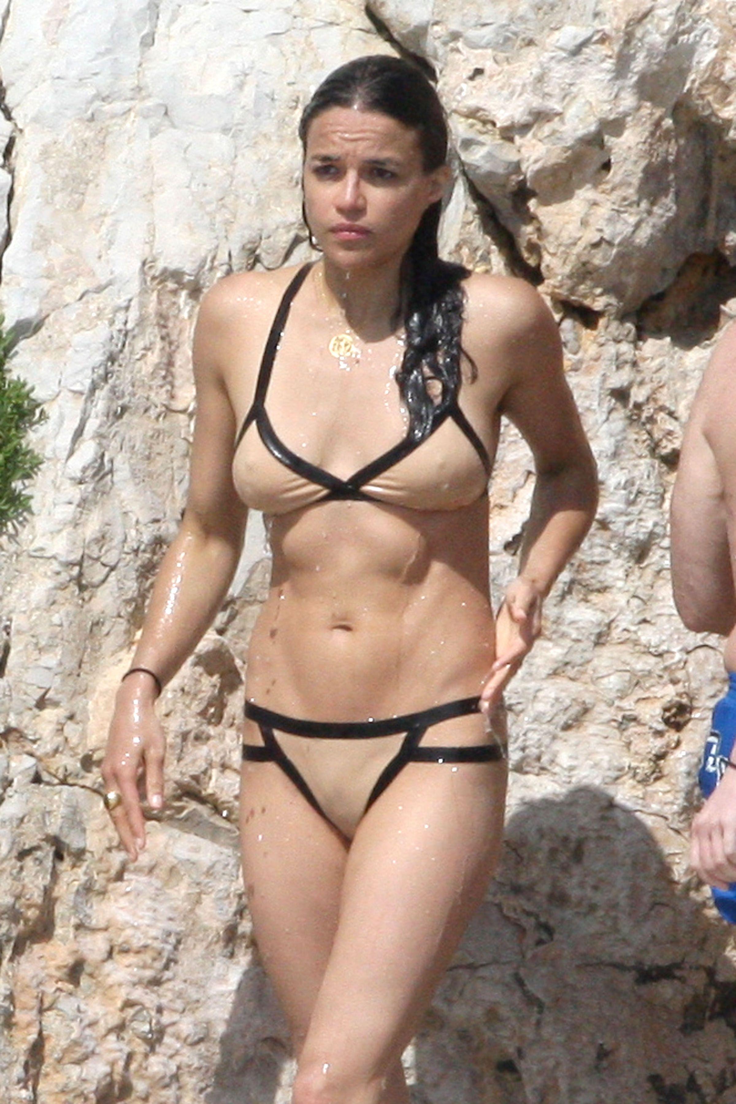 Bikini Emilia Rodriguez naked (46 foto and video), Topless, Is a cute, Selfie, swimsuit 2017