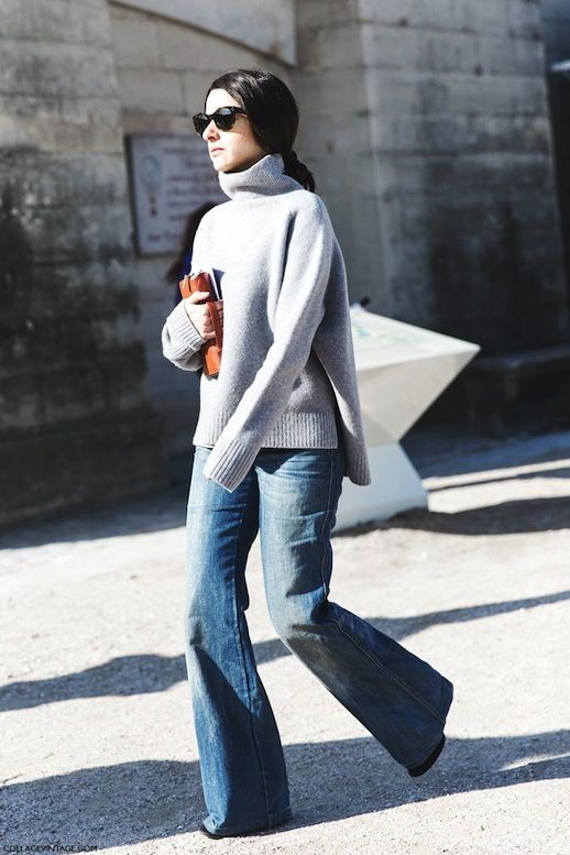9 Ways To Wear Flared Jeans // low ponytail, grey oversized ...