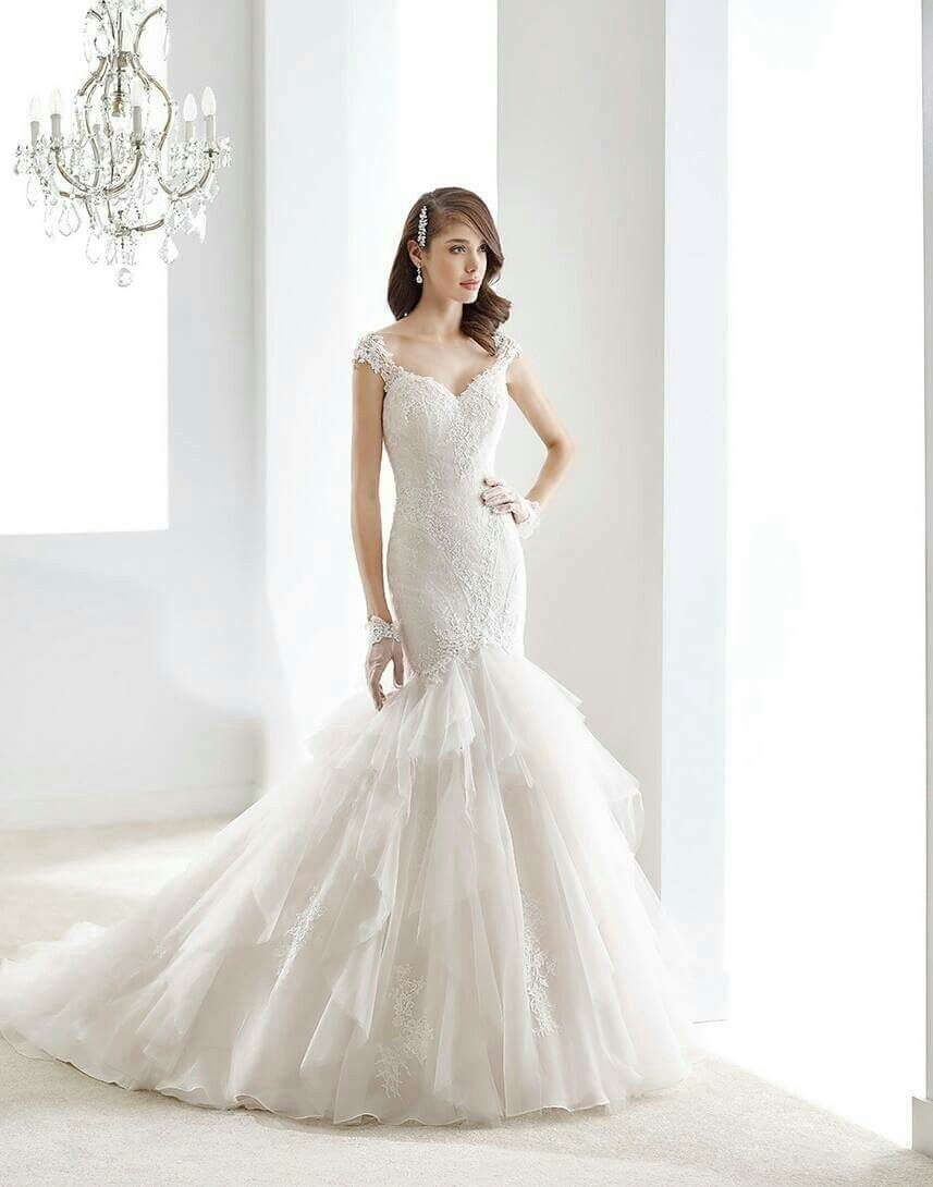 Awesome wedding dress 😍