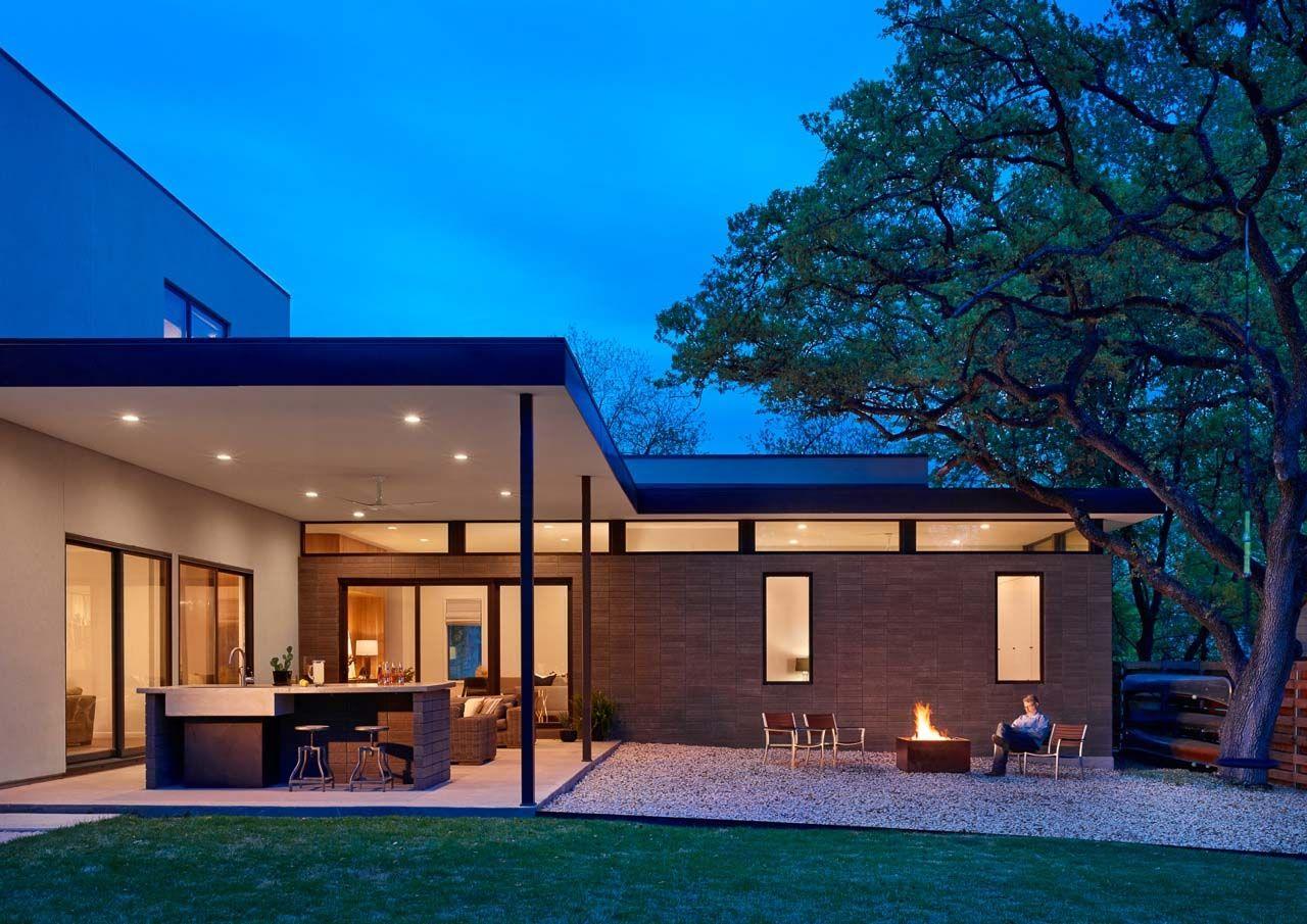 Midcentury modern home offers fabulous indooroutdoor connection in