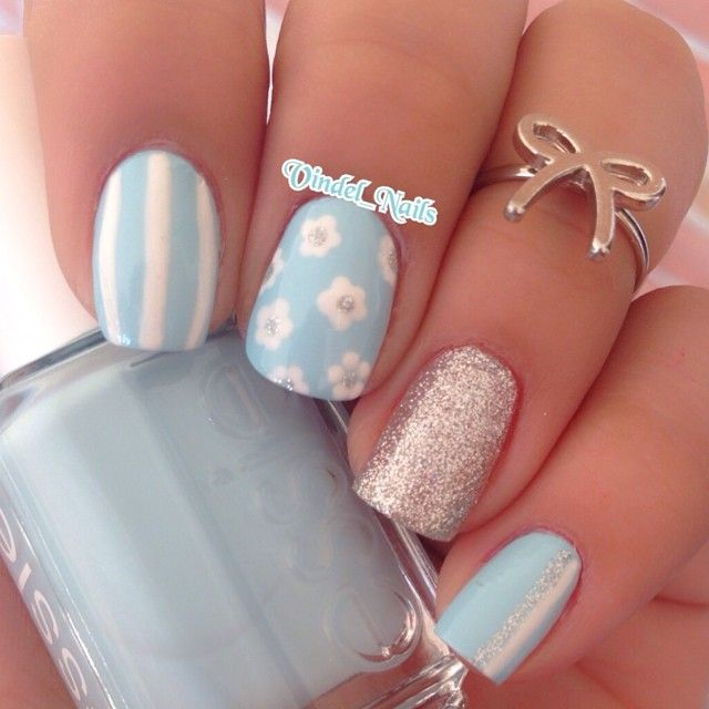 Instagram Media By Vindelnails Nails Today Small Flowers And