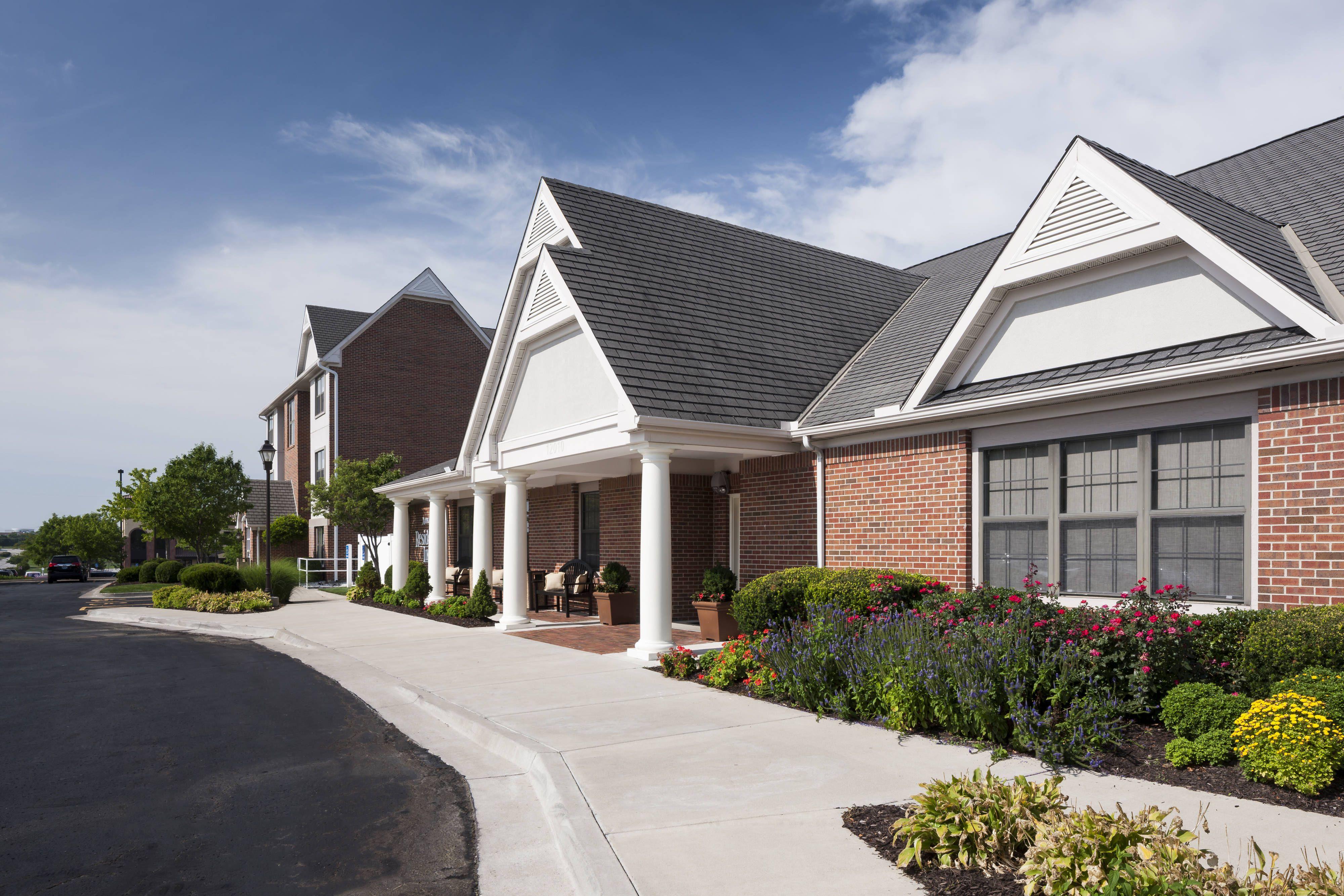 Residence Inn Kansas City Overland Park Exterior Hotels Suite Holiday Overland Park Residences Hotel