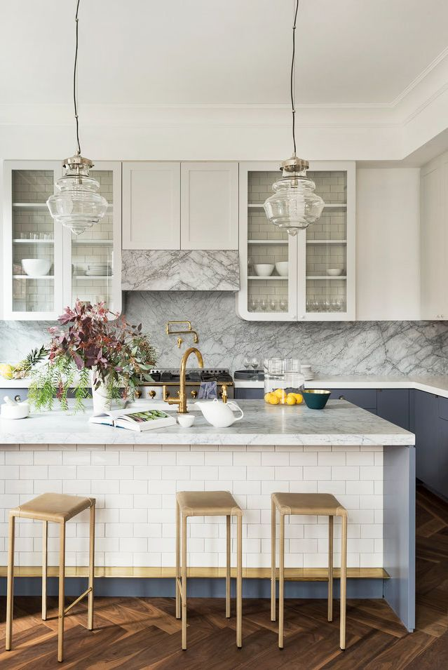 Chic Modern Kitchens That Still Feel Warm and Inviting