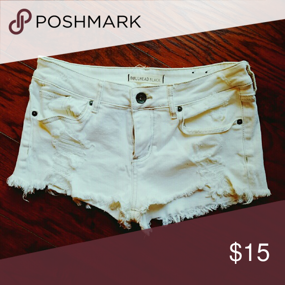 Bullhead Black (pacsun brand) white cutoff shorts These shorts are in great condition, perfectly white, barely ever worn! Bullhead Shorts Jean Shorts