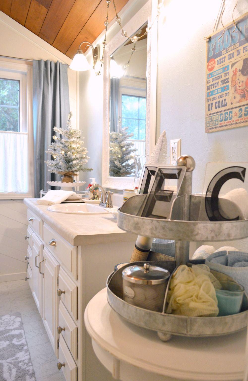 Miraculous Coastal Cottage Christmas Bath Christmas Coastal Download Free Architecture Designs Saprecsunscenecom