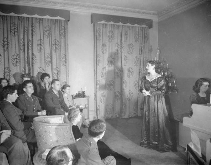 1944 London: Christmas songs for US troops | 1940s | Pinterest ...