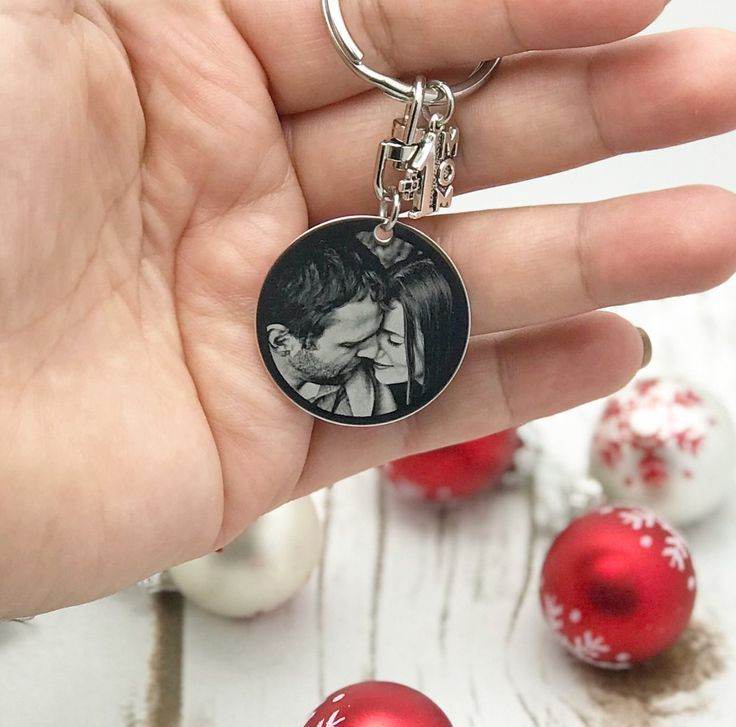 Custom engraved photo round keychain romantic gifts for