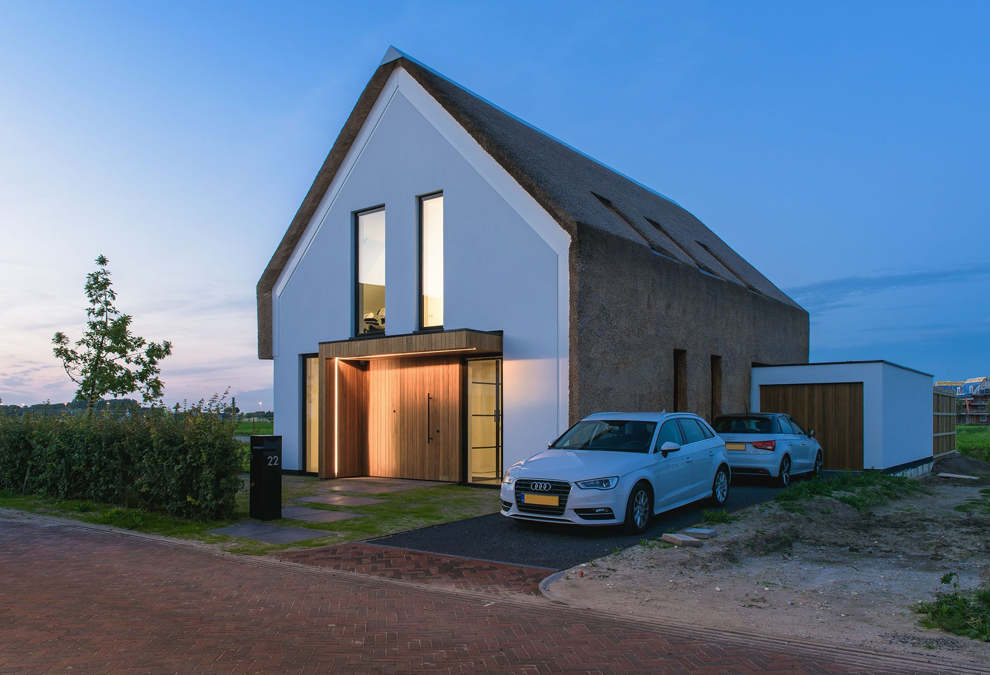 Modern Villa in Maasluis, Holland by JURY! Architecture . Urbanism ...