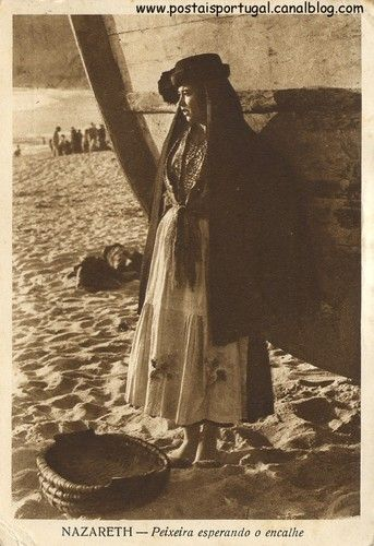 Nazaré - Peixeira esperando o encalhe  Edição: Borges Ano: 1934