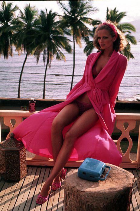 "Cheryl Tiegs Vogue US December 1975 ""Hawai - Adventures in Sundress"" Photographer: Helmut Newton | Repinned by Temple Towels & Swim, www.templetowels.com"