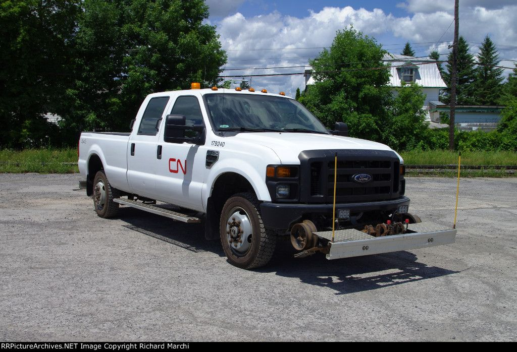 Cn 179240 2009 Ford F 350 Crew Hyrail Pickup June 24 2012