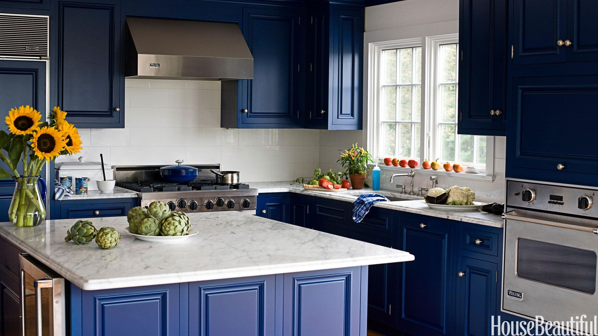 Blue Kitchen Cabinets Wall Color