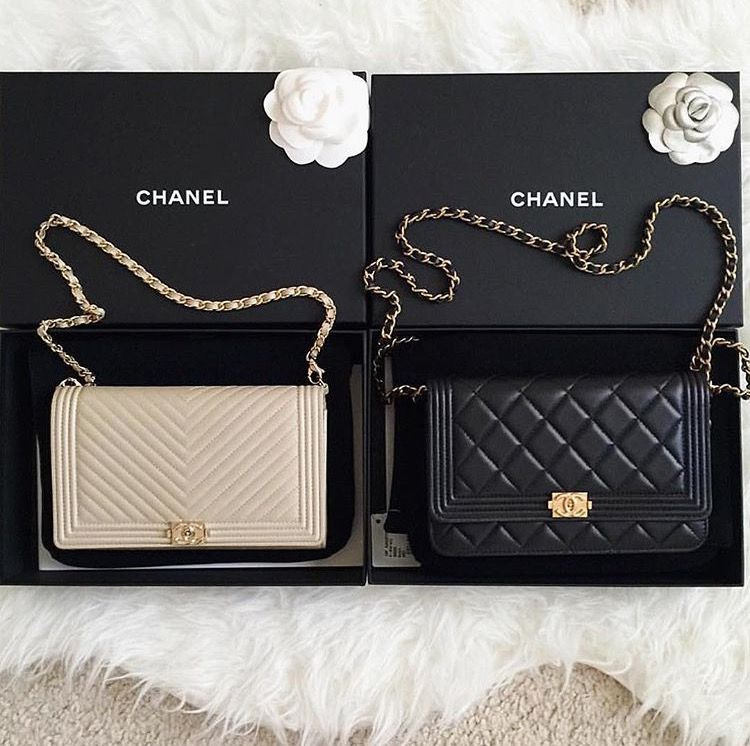 efeca5e3af68db Chanel Boy Wallet on a chain (WOC) … | VANDNA'S | Bags,…