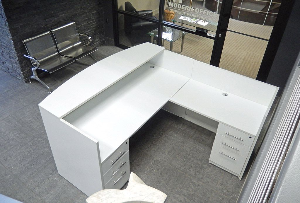 L Shaped White Reception Desk W Frosted Glass Panel White Reception Desk Reception Desk White L Shaped Desk