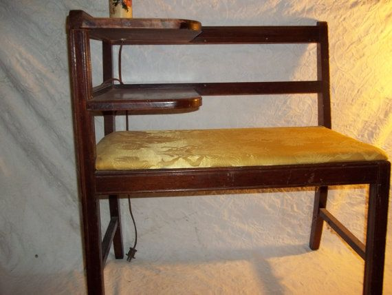 Vintage chismes silla del teléfono con lámpara de por Cherylfound, $125.00