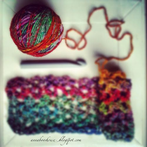 Annaboo's house: The Ultimate Cowl/Snood Pattern. Also links to Annaboo's House blog. Cute stuff.