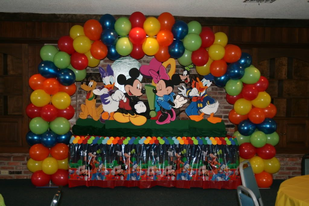mickey set up party theme Pinterest Mickey mouse cake