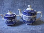 Maisema tee-ja vesikannu, sininen | Arabian vanhat astiat - Wanhat Kupit verkkokauppa