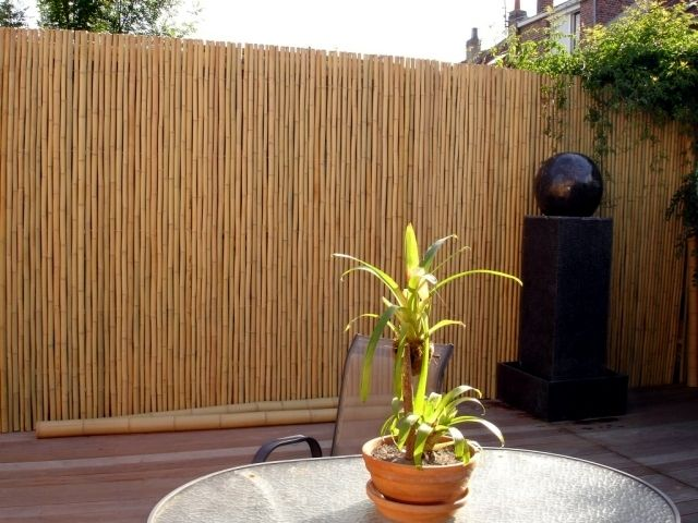 Bamboo Balcony Privacy Screen Ideas With Plants Carpets And Bars Privacy Screen Outdoor Balcony Privacy Balcony Decor
