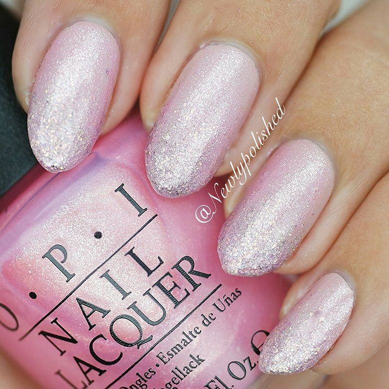 31 Chic Glitter Nail Art Designs