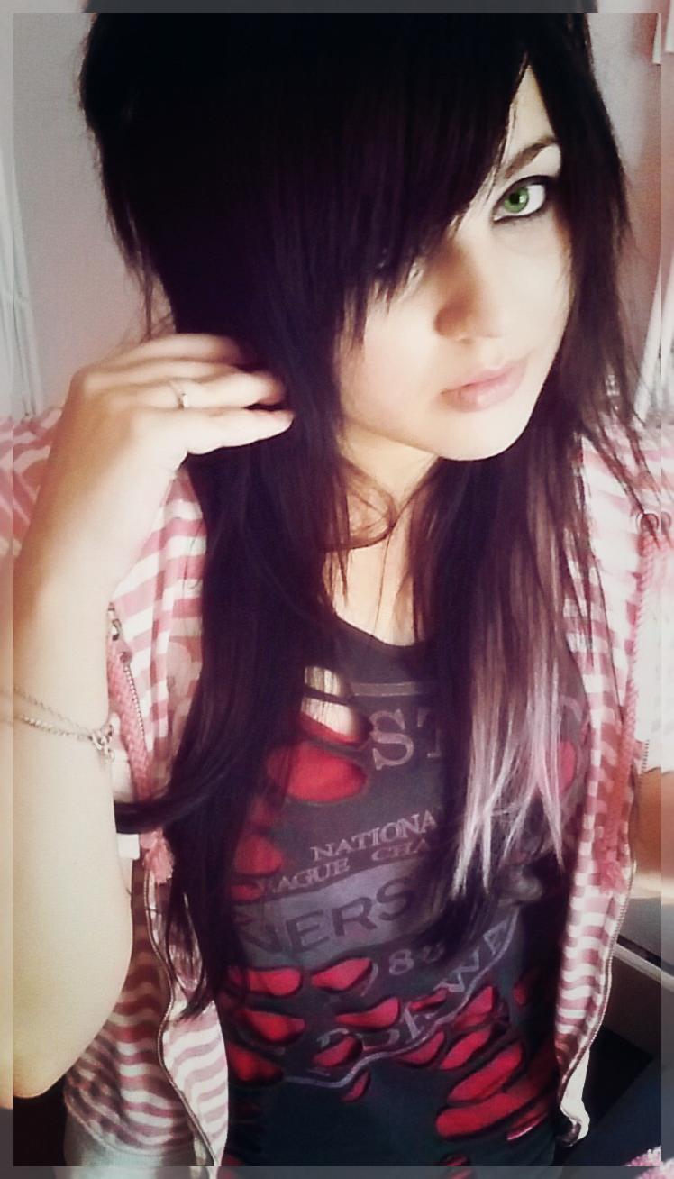 Emo Girl, Black Hair, Pink Hair, Green Eyes  Emo-2056
