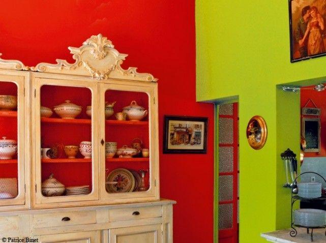 intérieur du0027un meuble repris dans la couleur du mur sur lequel il - Peindre Un Mur Interieur
