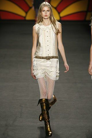 Anna Sui Fall 2006 Ready-to-Wear Collection Photos - Vogue