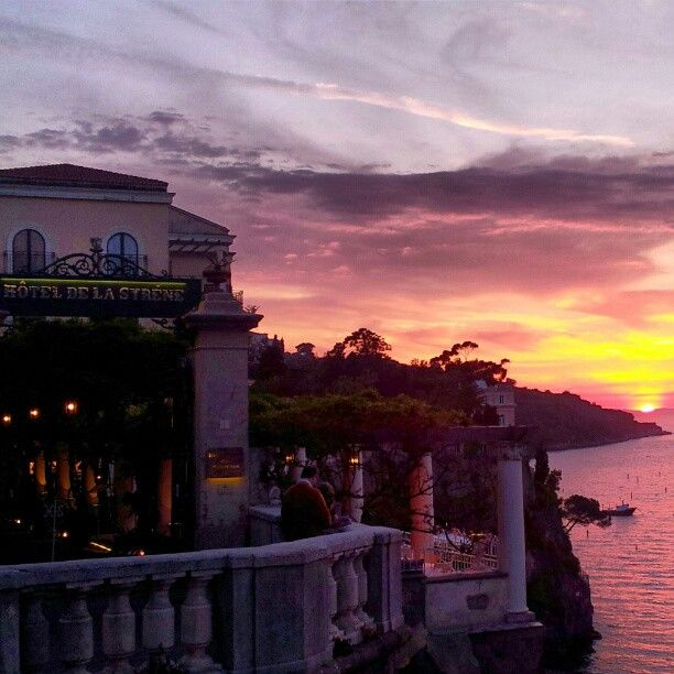 Sorrento Sunset At Bellevuesyrene Hotel It S So Easy Fall