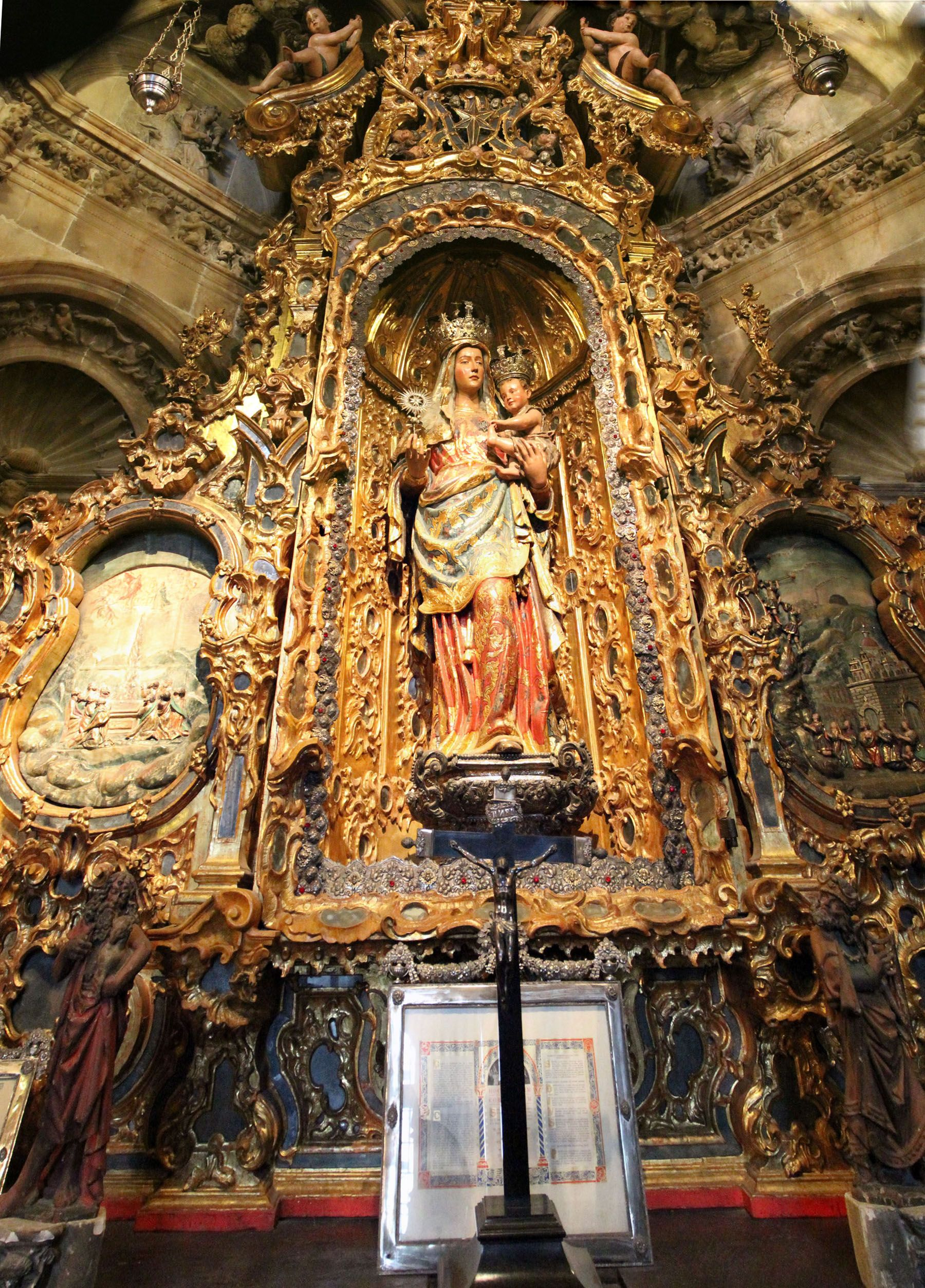 A serene Virgin - Seville Cathedral - Spain - Hold the gold?