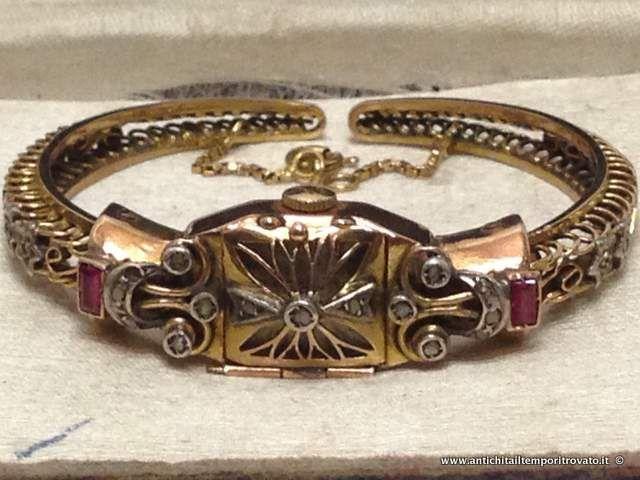 Oggettistica d`epoca - Orologi e portaorologi Orologio gioiello da donna in oro 750 - Antico orologio gioiello a scomparsan in oro 750 Immagine n°1