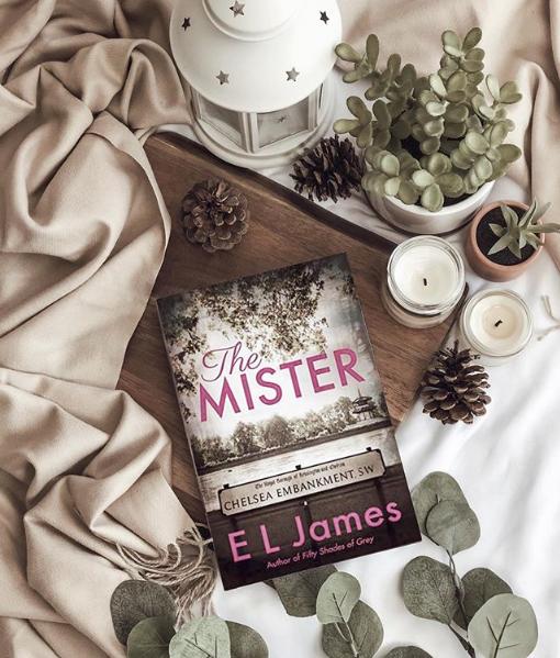 ⭐️ La última novela de E L James, la autora de 50 Shades of Grey, ya está en todos los locales de Kel ⭐️  Una historia de amor original, que transcurre en Londres, enlazando a un hombre y una mujer completamente dispares. Encontrás más adelantos acá en nuestro catalogo online y sucursales ♥ :D  ph @lifeinlit