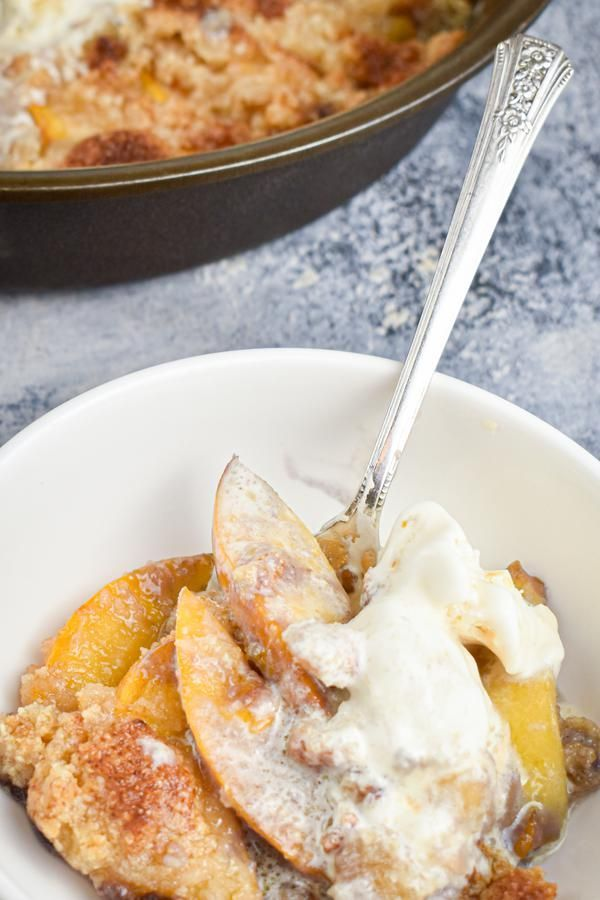 BEST Keto Peach Cobbler! Low Carb Keto Peach Cobbler Idea – Quick & Easy Ketogenic Diet Recipe – Completely Keto Friendly #peachcobblercheesecakeinajar BEST Keto Peach Cobbler! Low Carb Keto Peach Cobbler Idea – Quick & Easy Ketogenic Diet Recipe – Completely Keto Friendly #peachcobblercheesecake